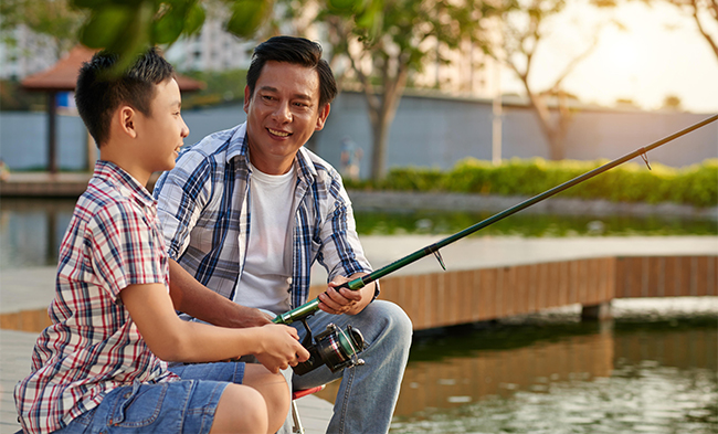 father son fishing 01